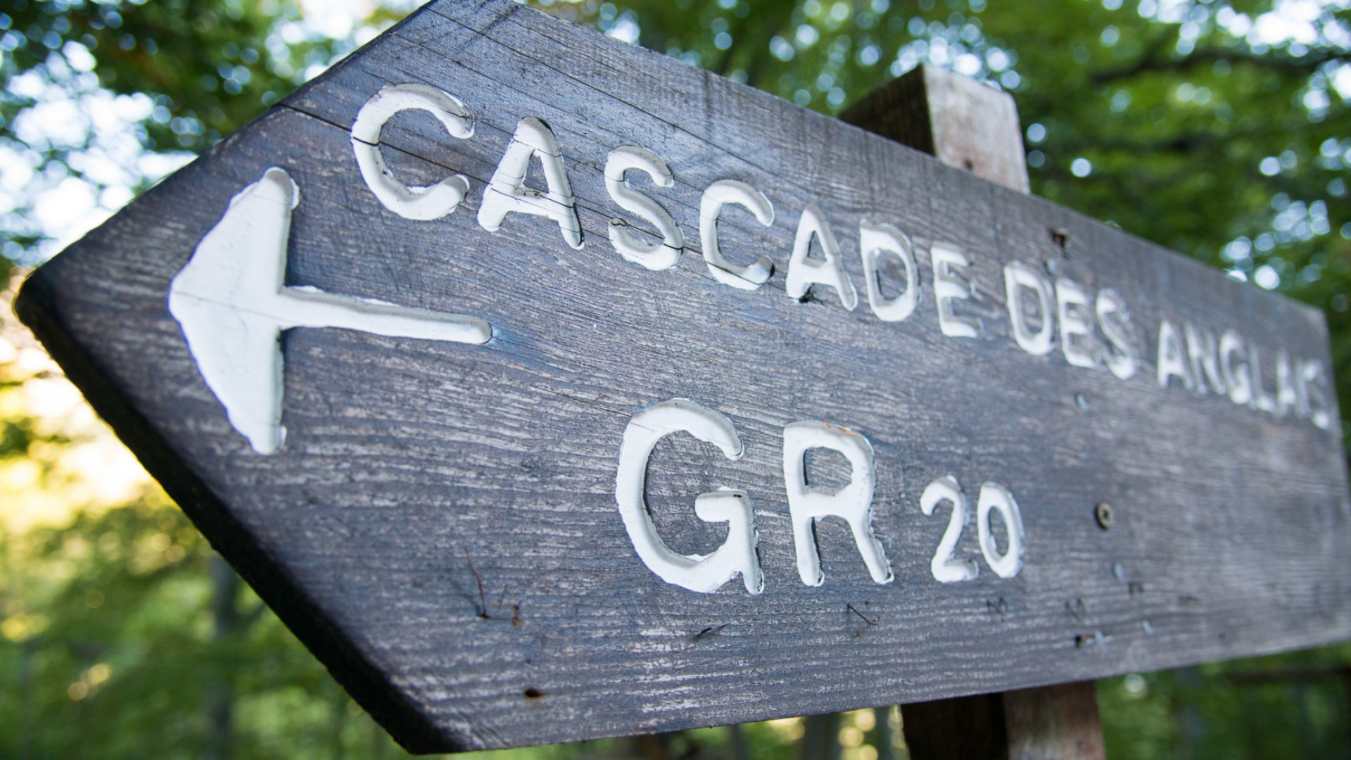 sign for the GR20 hiking trail in France