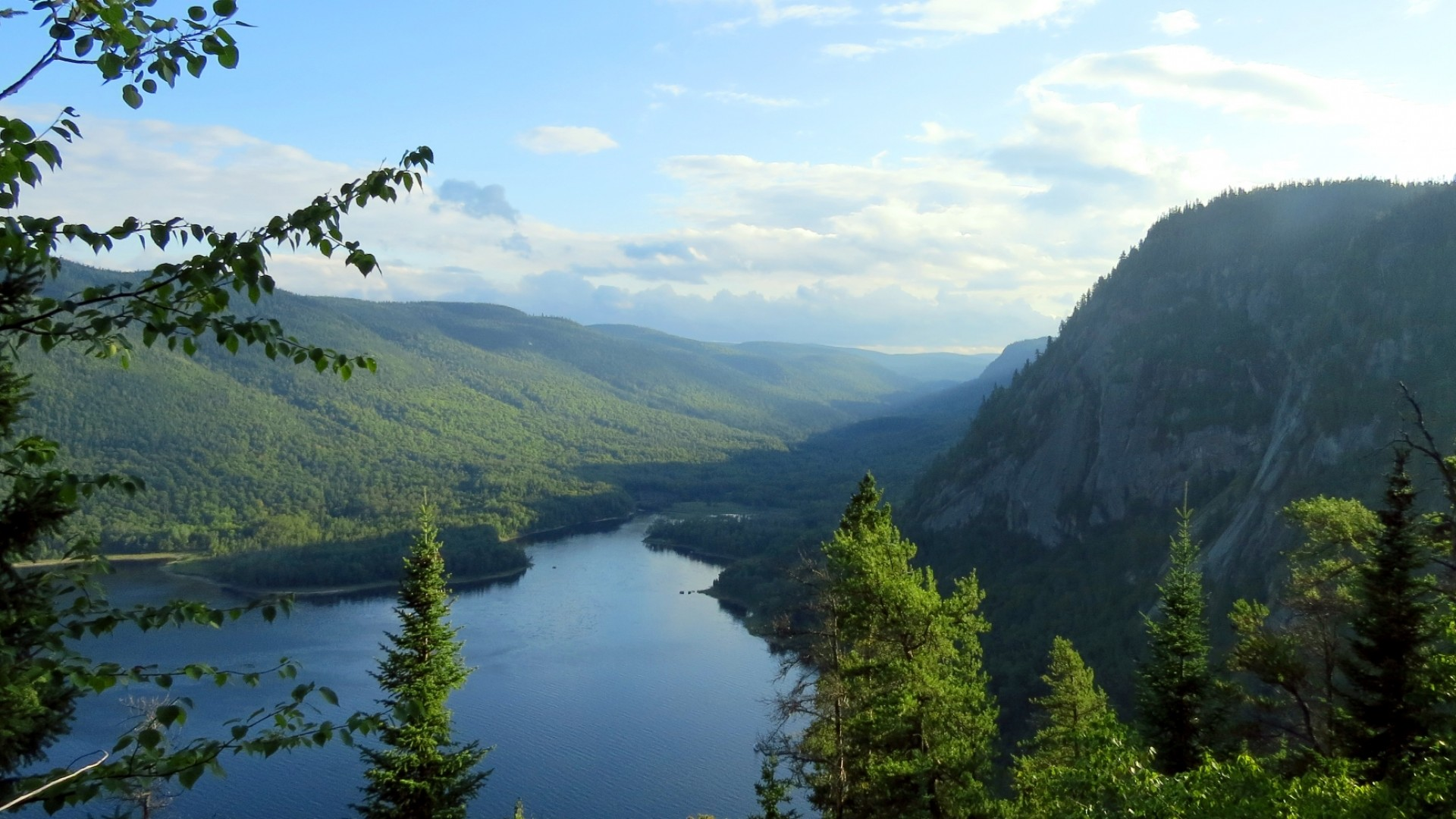 overview of Saguenay Fjord